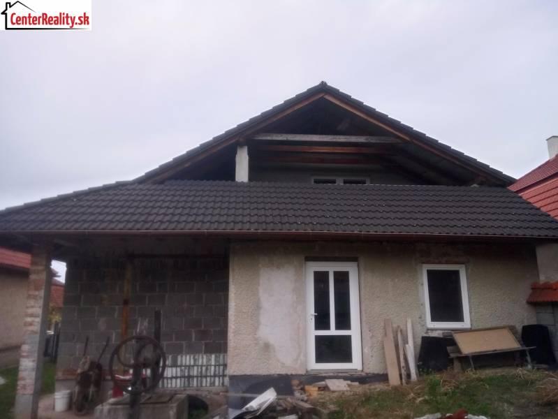 28ee4f90a Exkluzívne !!! Rodinný dom na predaj, Skačany - okres Partizánske