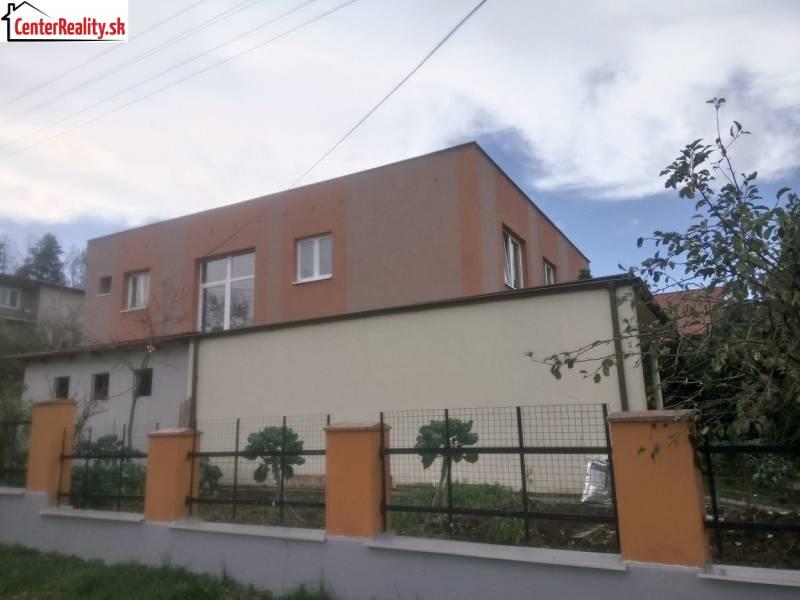 c7457cd5f EXKLUZÍVNE !!! Rodinný dom na predaj, Partizánske - časť Malé Uherce
